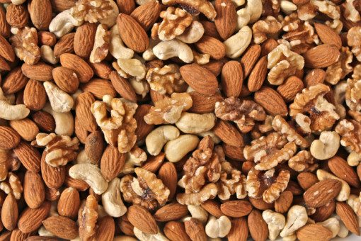 Walnuts, Almonds and Cashews to Lower Cholesterol