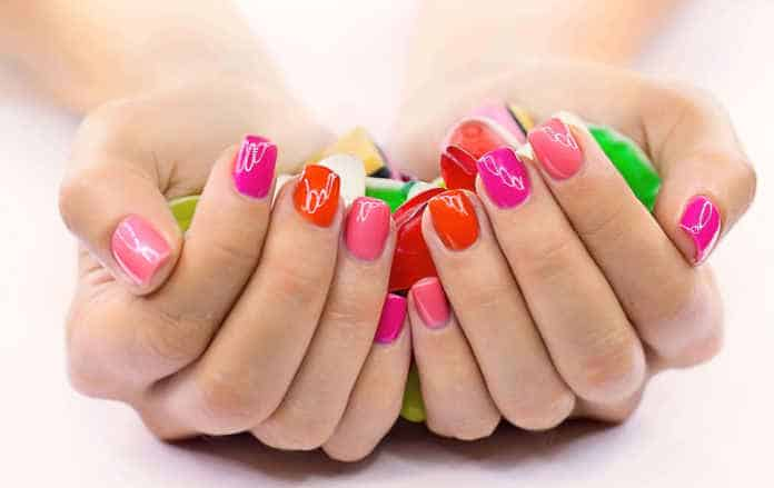 Refresh Your Manicure While Traveling
