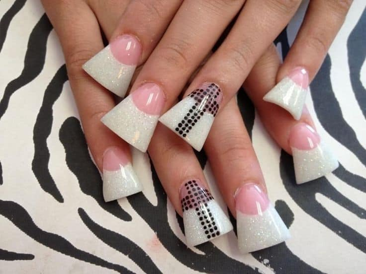 What are flare nails?