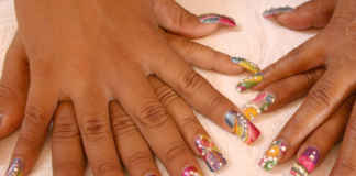 Reasons Why Acrylic Nails Lift